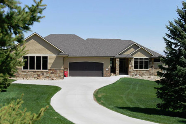 Thunder creek custom homes 450 000 and above house for Build a house for 75000